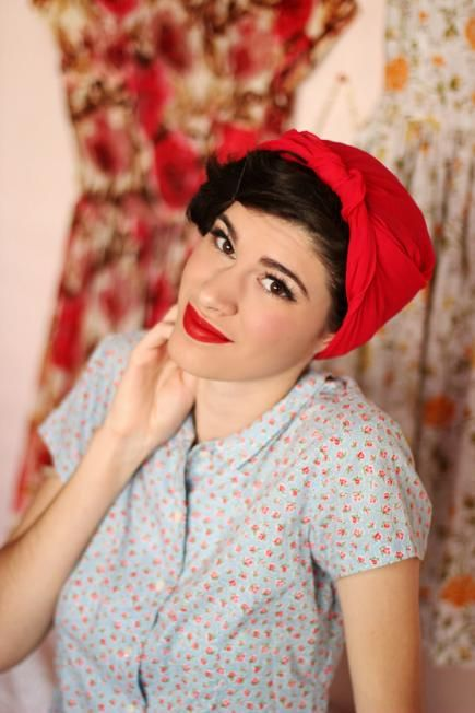 How to tie a headscarf and make a retro twisted turban