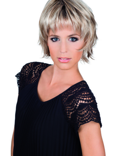 short length layered wig in blonde colour
